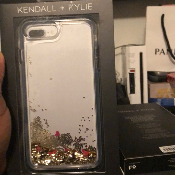 the latest 1fc73 7011a Kendall and Kylie Jenner iPhone 8 Plus case Boutique